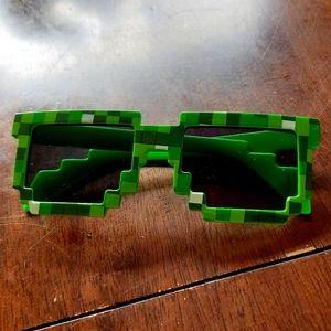 3/$16💫 Kid's Minecraft Creeper sunglasses